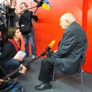 Auf der Frankfurter Buchmesse 2009 war Reich-Ranicki von Kameras umringt.