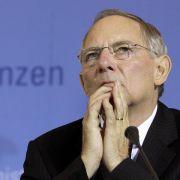 Wolfgang Schäuble, der derzeit nur die maroden Finanzen Deutschlands im Kopf hat, war schon einmal als Kandidat für das Amt des Staatsoberhaupts im Gespräch. 2004 scheiterte er aber am Widerstand der FDP.