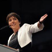 Weitab von allem Parteigeplänkel steht die frühere Ratsvorsitzende der Evangelischen Kirche, Margot Käßmann. Das Problem: Käßmann war Anfang des Jahres betrunken am Steuer erwischt worden.