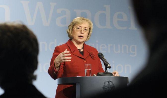 Und noch eine Frau: Neben Annette Schavan wird die Migrationsbeauftragte Maria Böhmer (CDU) als Kandidatin der Union gehandelt. Doch sie gilt bisher eher als unbekannt und wird es schwer haben, die nötigen Stimmen hinter sich zu versammeln.