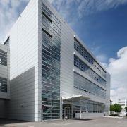 Mit dem neuen Simulationszentrum wollen die Münchner nicht nur den enormen finanziellen, energetischen und logistischen Aufwand begrenzen, den Erprobungsfahrten rund um den Globus bereiten.