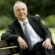 Ebenfalls nicht mehr aktiv in der Politik aber ungemein erfahren: Ex-Umweltminister Klaus Töpfer. Der CDU-Politiker wurde von dem Politologen Gerd Langguth ins Spiel gebracht.