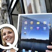 ... wie Quantensprung: Das iPad gilt als das mediale Trend-Teil dieses Sommers. Man wird viele Leute mit dem sogenannten Tablet-PC in Cafés und Parks sitzen sehen.