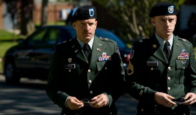 Ben Foster und Woody Harrelson im Film The Messenger.