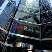 Die beiden größten Rating-Agenturen der Welt sind Standard  Poor's und Moody's. Beide haben ihren Sitz in den USA. Der dritte große Wettbewerber ist die britische Agentur Fitch Ratings aus London.