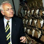 Doch auch bei Jägern und Sammlern ist nicht alles Schwarz und Weiß. Mancher Jäger ergötzt sich auch an seiner Sammlung...