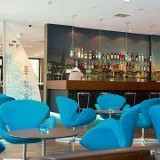 Motel One will hoch hinaus: Zunächst konzentriert man sich auf Innenstadtlagen in deutschen Großstädten - wie hier in Hamburg - aber auch auf europäische Metropolen. Das Motel One an der Alster wurde erst in diesem Jahr eröffnet.