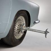 Für die entspannte Fahrt in den Feierabend einfach die Metallklingen zum Aufschlitzen gegnerischer Reifen ausfahren, statt dem Mittelfinger.