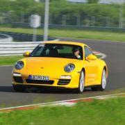 Porsche hat versucht, auf dem Ring einige legendäre Kurven aus dem Rennsport nachzubauen.