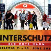 In Leipzig hat am Montag das große Gipfeltreffen der Feuerwehr begonnen: Bis zum Samstag werden auf der Leitmesse INTERSCHUTZ und dem zeitgleich veranstalteten 28. Deutschen Feuerwehrtag etwa 150.000 Gäste erwartet.