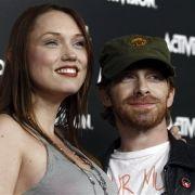 Die Spielemesse E3 ist immer auch ein großes Promi-Schaulaufen. Gesichtet wurde unter anderem Schauspieler Seth Green mit Ehefrau Clare Grant.