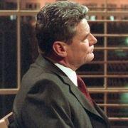 Auftritt als Talkmaster: Von Januar bis November 2001 moderiert Gauck (l.) eine nach ihm benannte Gesprächssendung. Sein erster Gast ist der damalige Bundesaußenminister Joschka Fischer (r.).