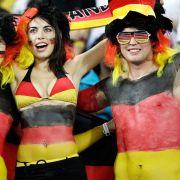 Auch die deutschen Farben eignen sich als Körperschmuck.