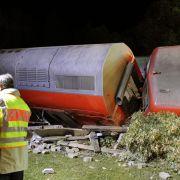 Insgesamt wurden bei dem Unglück 16 Menschen verletzt.