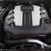 Der Cayenne mit dem V6-TDI verbraucht 0,4 Liter weniger als der Touareg 3.0 TDI und genau soviel wie der BMW X5 xDrive 30d.