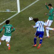 Und wie beim Deutschland-Spiel gab es auch hier wieder eine Fehlentscheidung.