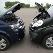 Opel Vivaro Life Cosmo und VW T5 Multivan im news.de-Test.