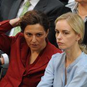 Auch die Schauspielerinnen Martina Gedeck (links) und Nina Hoss sind Mitglieder der Bundesversammlung.