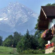 B wie Berchtesgaden: Der Alpenort besticht mit seinem Watzmann-Panorama und ist unter anderem wegen des durch Adolf Hitler weltberühmten Obersalzbergs bekannt.
