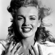 Die Monroe hat nicht nur Tabak geraucht. Seit dem vergangenen Jahr kursiert ein Video aus den 1950er Jahren, in dem sie genüsslich an einem Joint zieht.