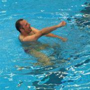 Jeder Teilnehmer hat anderthalb Minuten Zeit, die Jury bestehend aus sechs Synchronschwimmerinnen von sich zu überzeugen.