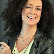 Klausjürgen Wussow brachte auch seine Kinder mit ins Spiel: Tochter Barbara Wussow spielte Lernschwester Elke. Am Ende der dritten Staffel wird auch Elke zur Brinkmann, indem sie Udo heiratet.