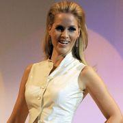 Die 34-Jährige wurde Nachfolgerin von Charlotte Roche, die nach nur wenigen Auftritten ihr Engagement bei der kleinsten ARD-Anstalt beendet hatte.