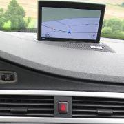 Zunehmend übernahmen die beliebten PDAs mit GPS-Empfänger und Navigationssoftware die Routenplanung. Fast jeder Hardwarehersteller hatte so einen kleinen Alleskönner im Programm.