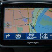 Die externe GPS-Maus sorgte für ein unerfreuliches Kabelgewirr auf der Konsole, ehe sie als integrales Bauteil in die Geräte wanderte.