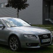 Der Audi A5 wird von einem 3,2 Liter großen V6-Saug-Triebwerk befeuert, der mit 265 PS alle vier Räder antreibt. Wer mehr Leistung will, muss zu S5 oder RS5 - jeweils mit acht Zylindern - greifen.