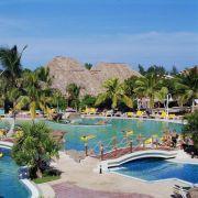 Die karibisch-bunten Anlage Sandals Royals Hicacos Resort  Spa im kubanischen Varadero hat sich auf Hochzeitsarrangements spezialisiert.