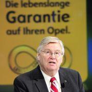 Der Vorstandsvorsitzende der Adam Opel GmbH, Nick Reilly, verkündete jüngst eine neueingefuehrte Garantie für Opel. Der Autohersteller will ab sofort den Käufern eines Neuwagens der Marke mit dem Blitz eine lebenslange Garantie fuer das Fahrzeug anbieten