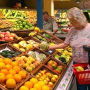 Schöne Früchte zum Start. Der Grund, dass die Obst- und Gemüseabteilung gleich am Anfang kommt: Sie schafft eine angenehme Atmosphäre und versetzt den Kunden in eine positive Stimmung.