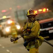 Gefahr, Hitze und Kameradschaft: Bei Feuerwehrmännern glauben Frauen angeblich einen ganz besonders maskulinen Beschützer gefunden zu haben.