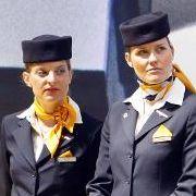 Die Stewardess steht für Exotik und Eleganz gleichermaßen.