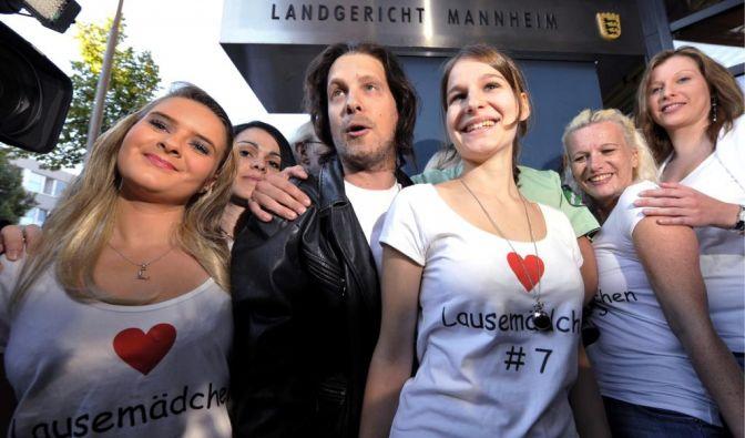 Zum Auftakt des Kachelmann-Prozesses erschien Oliver Pocher als Doppelgänger des Wettermannes.
