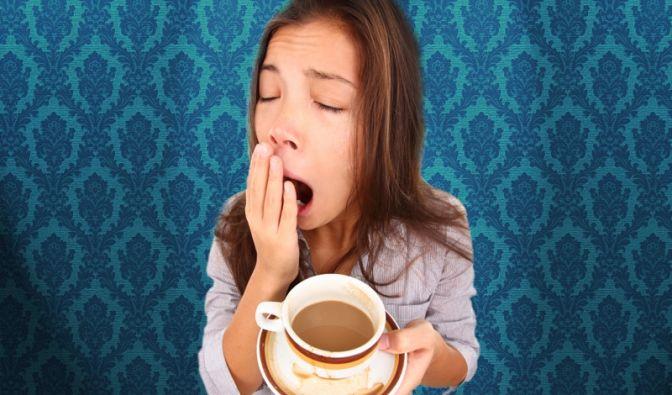 Bleich wie eine Wand und ständig müde? Den Wunsch nach Schlaf und dem eigenen Bett, vor allem nach der kurzen Mittagspause, kennt jeder. Müdigkeit kann aber in vielen Fällen Anzeichen einer Erkrankung sein.