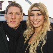 Sie ist wohl die hübscheste deutsche Spielerfrau: Sarah Brandner ist mit DFB-Star Bastian Schweinsteiger liiert.