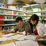 Die Bibliothek ist ein sehr beliebter Ort zum Lernen