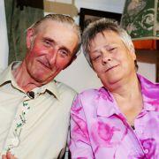 Der rüstige Hühnerwirt Gerhard hat sich für Barbara entschieden. Die 59-jährige gelernte Melkerin passt irgendwie besser auf seinen Hof als die andere Dame. Die sei laut RTL Städterin gewesen.