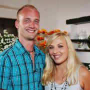 Volker (28), der muntere Milchbauer, wird mit Verena (25, Einzelhandelskauffrau aus dem Frankenland) die Woche nach dem Scheunenfest verbringen.