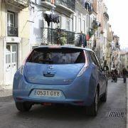 Mangels Förderung rollt der Leaf erst Ende 2011 in Deutschland vor und wird rund 35.000 Euro kosten.