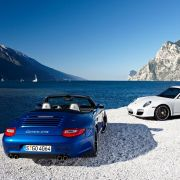 ... der Porsche 911 Carrera GTS, ...