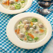 Gemüse-Hackbällchen-Suppe