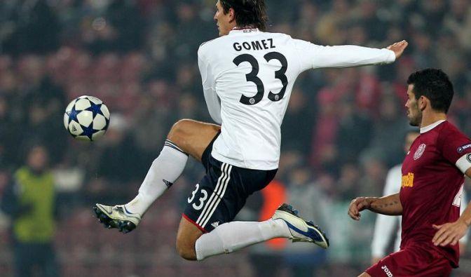 Mario Gomez schießt in Cluj aus allen Lagen.
