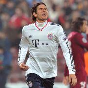 Mario Gomez markiert in der ersten Halbzeit zwei Treffer.