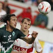 Claudio Pizarro kann sich nicht durchsetzen.