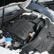 Kraftvolle Aggregate der Zwei-Liter-Klasse mit Commonrail-Diesel nebst Turboaufladung finden sich bei beiden unter der Motorhaube.