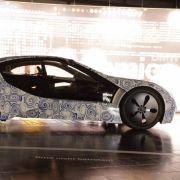 Mit zwei Elektromotoren und dem Dreizylinder-Diesel beschleunigt der Zukunfts-BMW auf Sportwagen-Niveau.