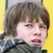 Eine Welt voller Misstrauen. Der kleine Deniz (Lukas Schust) hat Angst vor Kommissar Lannert (Richy Müller), braucht aber dessen Hilfe.